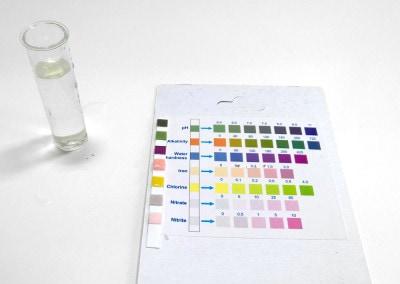 Kolory paskowego testera wody