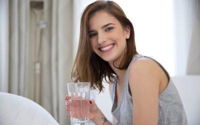 Odwodnienie i nadmiar wody w organizmie – co musisz wiedzieć?