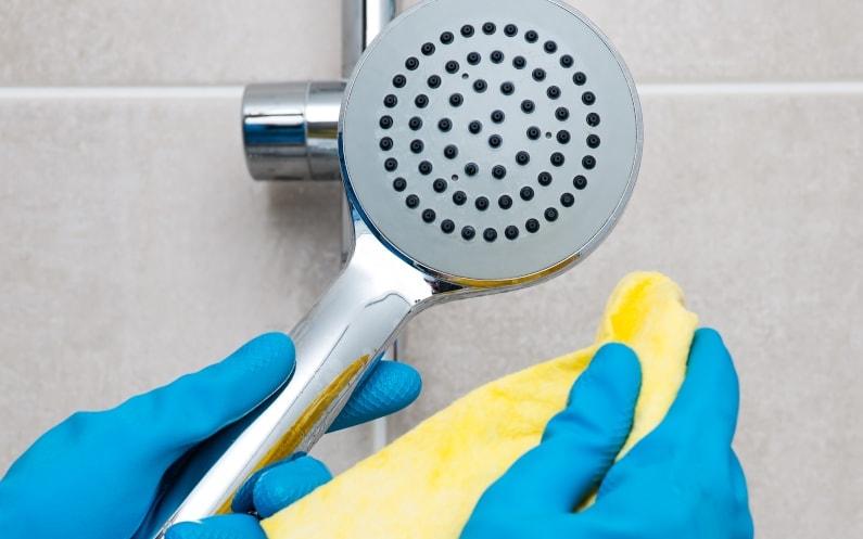 Twarda woda w domu – jak rozpoznać problem?